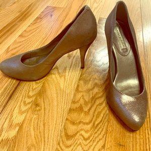 Banana Republic Izzy Dark Platino Heels — size 8.5